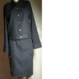 Jones Wear Dk Gray Sport Skirt Suit Size M